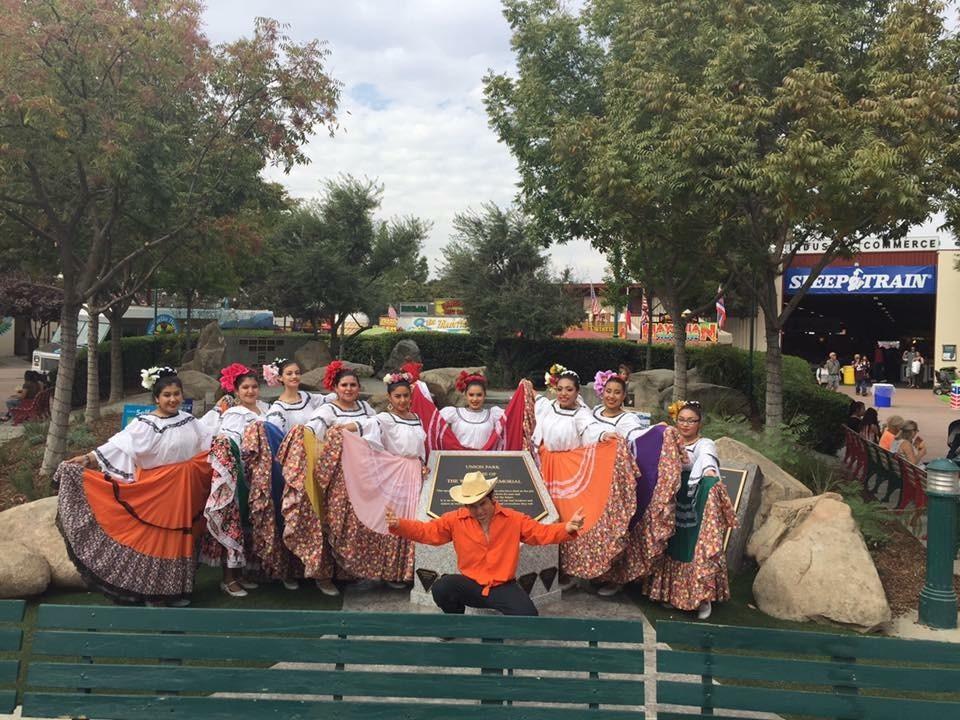 Roosevelt High School Folklorico Dancers, Intermediate Dance Class - 10-14-16