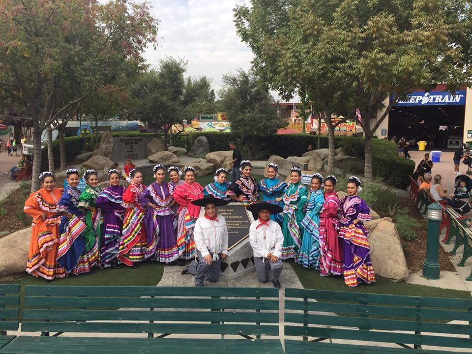 Roosevelt High School Folklorico Dancers, Advanced Dance Class - 10-14-16
