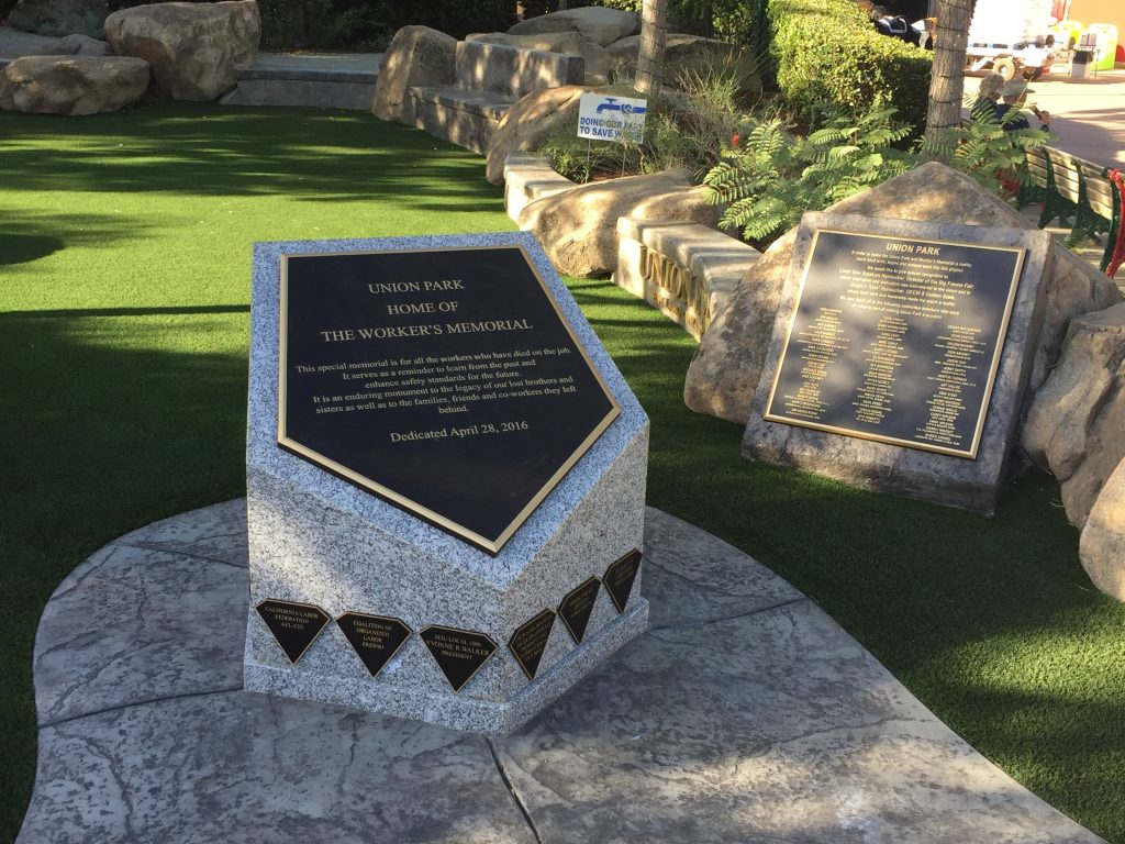 Memorial with Diamond Sponsors. Picture 2